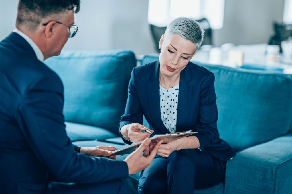 Как не облажаться во время делового разговора?