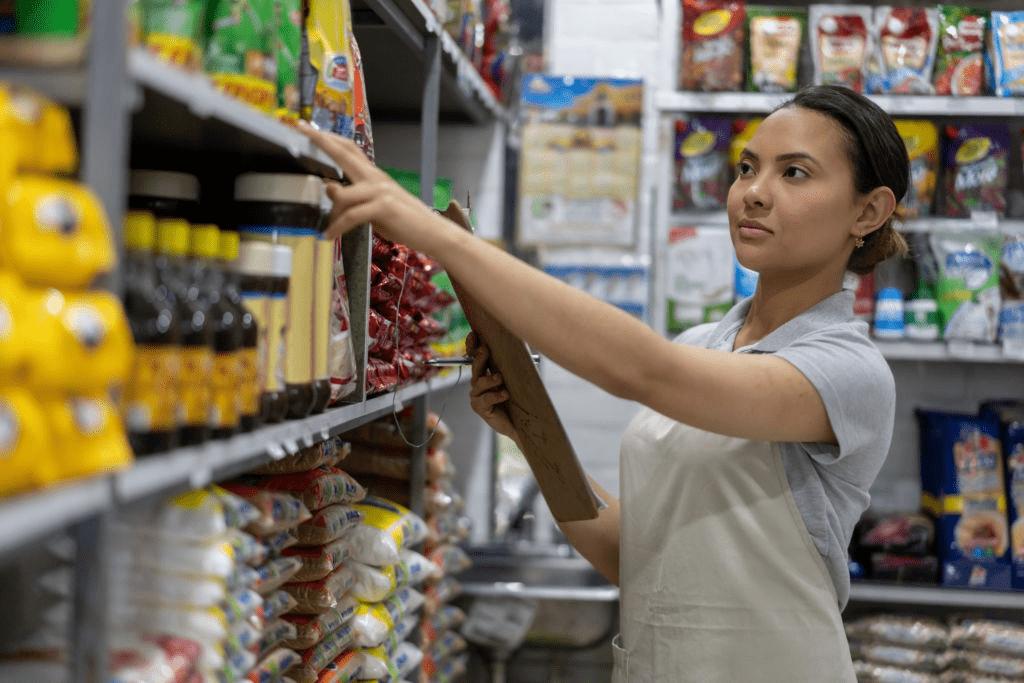 В правительство РФ обратились с просьбой о запрете скидок на продукты