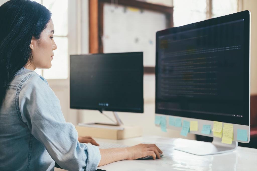 Учимся на программиста и получаем перспективную работу!