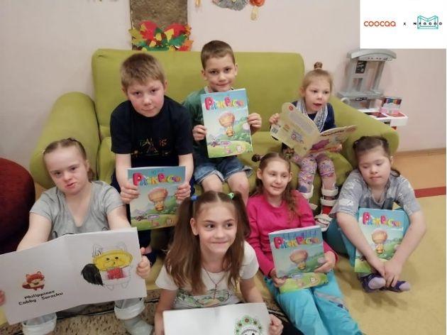 Китайский технологический бренд coocaa подарил сиротам из России раскраски с лисичкой в кокошнике и телевизоры
