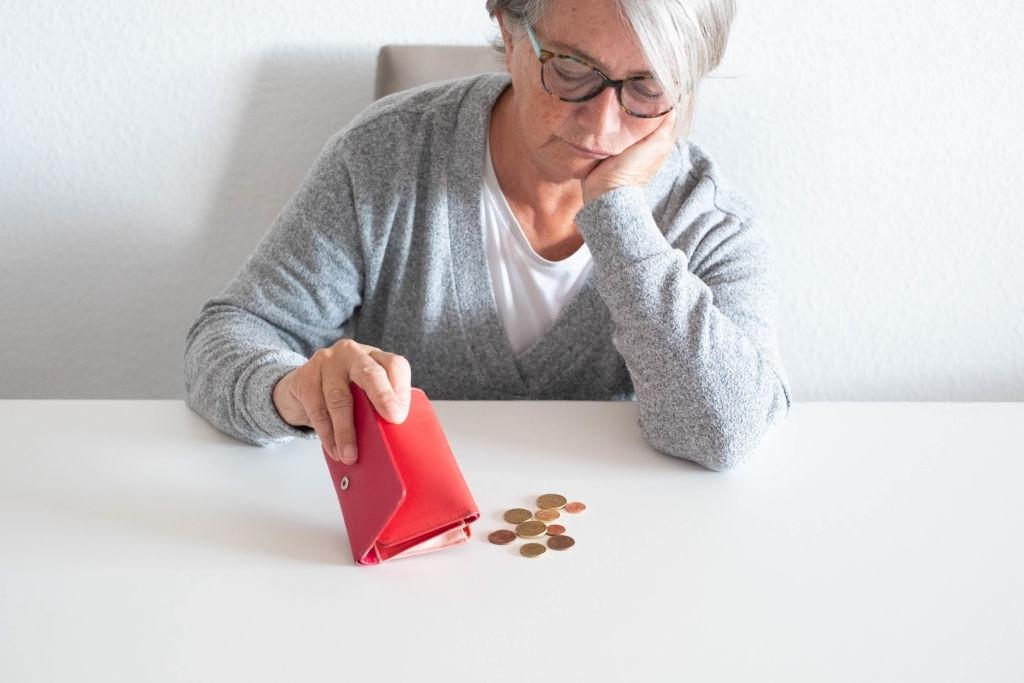 Как начать зарабатывать на пенсии. Инструкция