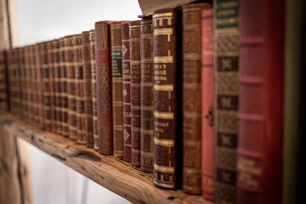 Осталось много старых книг? Почему бы не заработать на них!