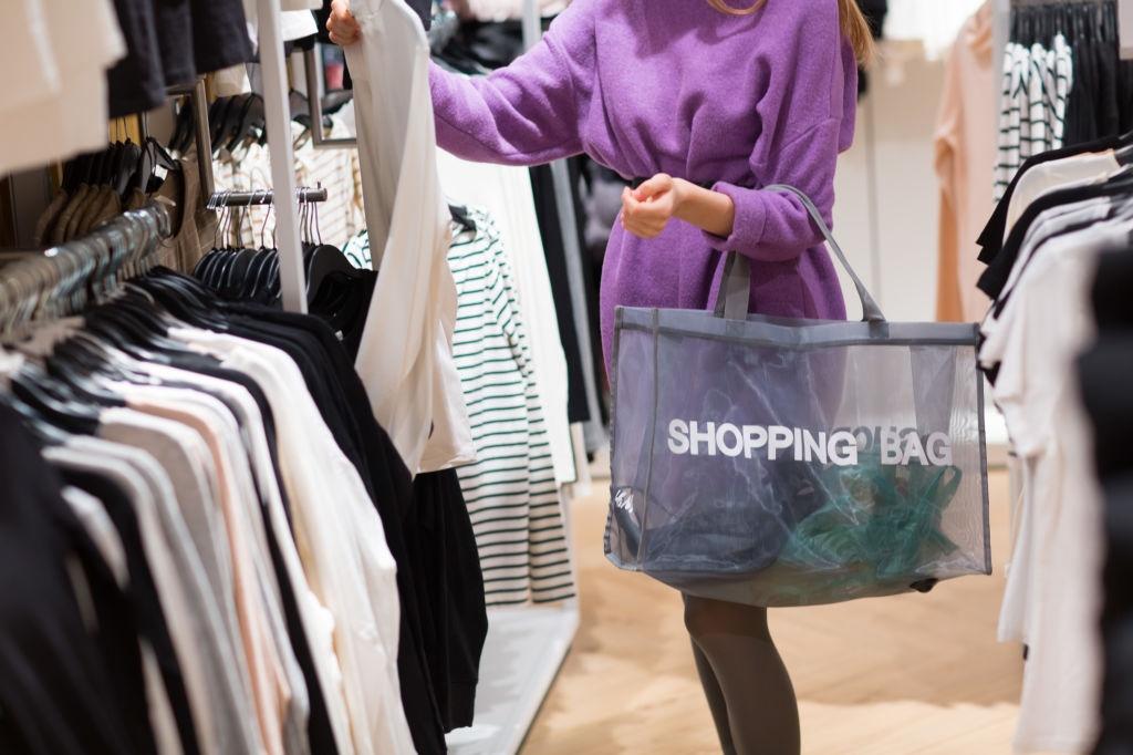 Продажа одежды на популярных торговых площадках: тренды 2021 года и несколько советов